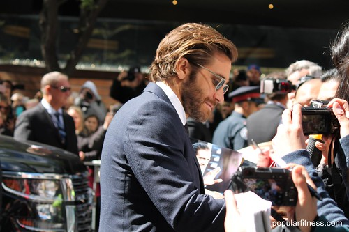 Jake Gyllenhaal at TIFF17 Signs Autograph
