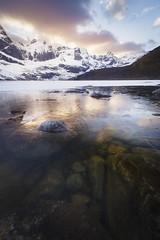Le lac Storvatnet, Norvège (jonathan le borgne) Tags: mountain lac freeze snow winter relection sunset clouds sky colors white rocks ice lofoten norway