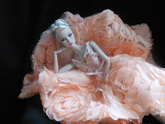 OOTW Poppy wearing Kawin Tan's Midnight Spell (ksavoie1213) Tags: bonettashop outofthisworldpoppyparker poppy kawintan fashionroyalty integritytoys platinumblondes poppyparker pink selojspa