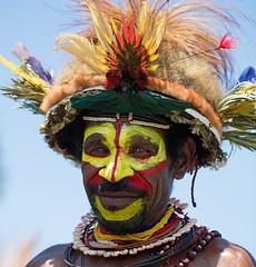 huli portrait (kthustler) Tags: goroka singsing papuanewguinea tribes huliwigmen mudmen