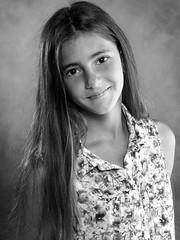 Retrato (Antonio Goya) Tags: retrato portrait girl one hair eyes dress smile pretty young teen olympus omd dng xataca dzoom zaragoza españa spain estudio indoor bn blackandwhite blancoynegro light