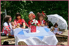 Gartenzeit ... (Kindergartenkinder) Tags: dolls himstedt annette park blume garten kindergartenkinder essen grugapark personen blumen sanrike milina sommer kindra setina leleti