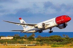 LN-LNE / Norwegian Long Haul / Boeing 787-8 Dreamliner / Barcelona (BCN/LEBL) / 29-07-2017 (ManuelDelAmo) Tags: lnlne norwegianlonghaul norwegian boeing 7878 788 787 dreamliner roaldamundsen nax7075 aviation civilaviation commercialaviation aircraft airplane plane heavy widebody departure takeoff runway 25l photography aviationphotography spotting planespotting jetphotos wwwjetphotoscom airport barcelona bcn lebl elprat elpratdellobregat manueldelamo