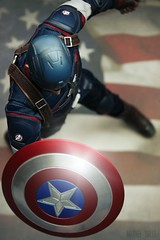 Perfect Picture Cycle 5 - Round 10: Bird's-eye View (MARVEL_DOLLS) Tags: hottoys captainamerica ageofultron 16scale 12inchfigure actionfigure statue steverogers chrisevans marvel marvelcomics marveluniverse superhero avengers movie maledoll red white blue american flag shield helmet