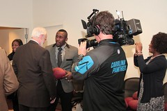 "thomas-davis-defending-dreams-foundation-key-to-city-0000 • <a style=""font-size:0.8em;"" href=""http://www.flickr.com/photos/158886553@N02/36348512494/"" target=""_blank"">View on Flickr</a>"