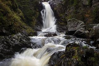 Norwegian nature (Kydalsfossen, Gjøvik) explored