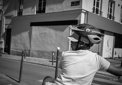 double protection (Jack_from_Paris) Tags: l2011048bw leica m type 240 10770 leicasummicronm35mmf2asph 11879 dng mode lightroom capture nx2 rangefinder télémétrique bw noiretblanc monochrom wide angle paris 75013 portrait rue street casque helmet casquette jeune enfant