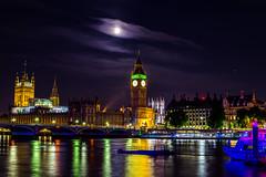 London, GB (fotobpros) Tags: london westminster bigben longexposure sonyalpha a6000 zeiss reflection night river themse moon mond nacht