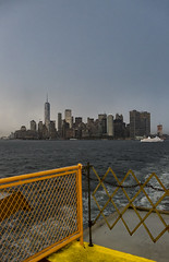 Skyline de NY desde el ferry de Saten Island (Jorge Pazos) Tags: ny nycity staten island eeuu usa estados unidos color vertical canon canonista jorgepazos 2470mm28l 5dmarkiii turismo rio river