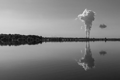 Cloud Factory (ako_law) Tags: 2470mm 500d canon canonef2470mmf4lisusm canoneos500d cospudenersee cossi ef2470mmf4lisusm eos500d freistaatsachsen lake lakecospuden markkleeberg mirror natur nature reflection reflektion reflektionen reflexion reflexionen sachsen saxony schwarzweis see seen spiegelung bw blackwhite sw