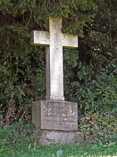 Grab Marie von Perglas, geb. von Racknitz (1863-1934) in Heinsheim