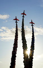 With the sunlight (SteveJM2009) Tags: joneggingmemorial art sculpture memorial tribute fltltjonegging hawk redarrows trails smoke steel timward artist alwaysfollowyourdreamsblueskies sun light colour bournemouth dorset uk september 2017 sky colours stevemaskell eggman red4 explored