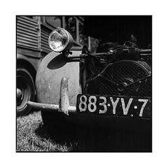 2cv • vignoles, burgundy • 2017 (lem's) Tags: 2cv citroen 2 chevaux classic car automobilez vintage old vignoles bourgogne burgundy zena bronica