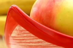 Filled fruit bowl... (Maria Godfrida) Tags: macro closeup macromondays mm hmm memberschoicefoundinthekitchen fruit fruitbowl apple red tamron nikon 7dwf colours blur foundinthekitchen kitchen