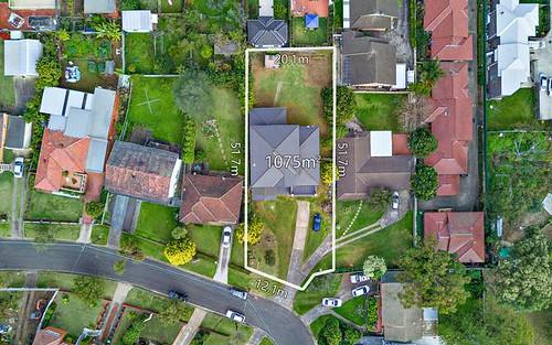 31 Suva Cr, Greenacre NSW 2190