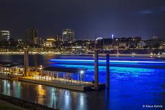 Hamburger Hafen - 04081701 (Klaus Kehrls) Tags: hamburg hamburgerhafen nachtaufnahme skyline elbe spiegelung