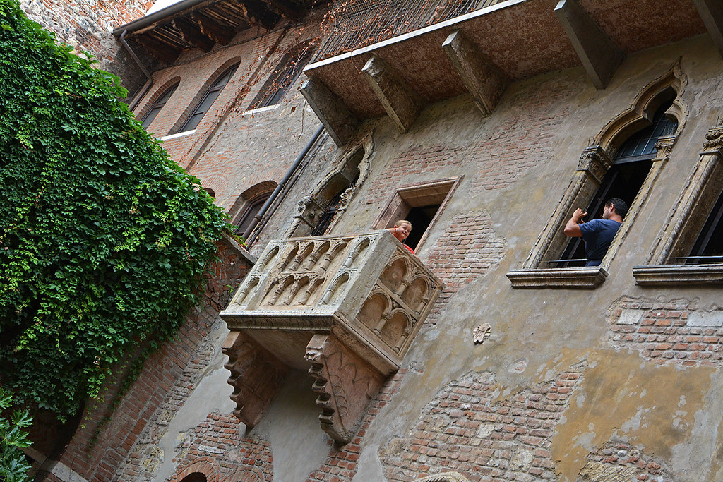 The world 39 s best photos of balcone flickr hive mind for Finestra balcone