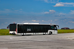 Cobus 3000 airside transfer bus (Canadian Pacific) Tags: toronto airport international lesterbpearson pearson yyz cyyz airsidetour gtaa behindthescene tour vehicle specialised specialized 2017aimg2151 bus airside transfer apron cobus 3000