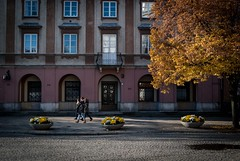 Wandering in Warsaw II (dressk) Tags: poland polska warsaw europe city street nikon d40x nikond40x autumn architecture people travel
