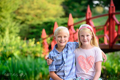 2017 Olsen Photos (shirley319) Tags: 2017 botanicalgardens d600 july kellie lakeofthewoods layne maberygelvinbotanicalgarden maddie mahomet olsens coveredbridge portraits red siblings illinois unitedstates