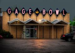 It's a Rainy Night... (Pete Zarria) Tags: kansas bowling fun center small city neon sign pin pinball