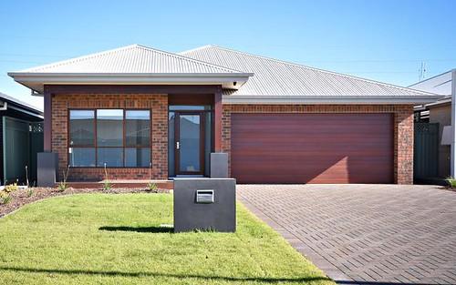 27 Amadeus Av, Dubbo NSW 2830