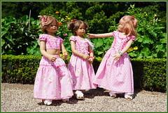 Kindergartenkinder ... (Kindergartenkinder) Tags: schlossanholt dolls himstedt annette park kindergartenkinder sommer wasserburg annemoni margie milina isselburg garten