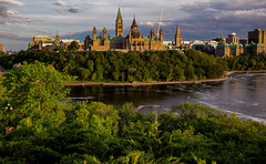 View  of the City of Ottawa (Ville d'Ottawa), Ontario, Canada (zilverbat.) Tags: canada ottewa tripadvisor visit travel town tourist tourism timelife tour zilverbat citytrip cityscape cityview urbanvibes urban landscape wallpaper water waterfront world green wolken clouds sunlight sunset ontario ngc park