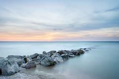 Coucher de soleil (Sandra Julie Photo) Tags: nikon coucherdesoleil sunset cabourg normandie france mer plage rochers