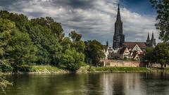 Auf der bayrischen Seite ;) (Fred&rique) Tags: lumixfz1000 photoshop hdr raw allemagne ulm neuulm danube fleuve nature ville münster arbres bayern badenwürttemberg