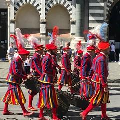 Calcio Storico parade (travelontheside) Tags: parade calciofiorentino calciostorico italy italia tuscany toscana florence florenceitaly firenze santamarianovella church basilica smarianovella