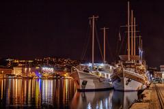 Djelić turističke flotile vezan za riječki lukobran (MountMan Photo) Tags: rijeka luka noć turističkibrodići primorskogoranska croatia voda noćnafotografija