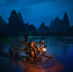 Guilin with Aurora HDR 2018 (Stuck in Customs) Tags: china guilin ratcliff stuckincustomscom trey treyratcliff portrait dusk night lamp boat bird fish hdr hdrphotography hdrphoto hdrtutorial stuckincustoms aurora 2018