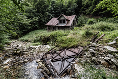 Abandoned (Piotr_PopUp) Tags: abandoned decay house buildings rural ruraldecay malafatra slovakia slovensko mountain mountains collapse green forest carpathia carpathianmountains karpaty samyangg 14mm