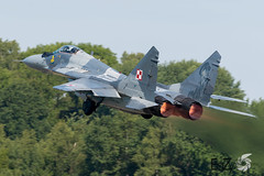 40 Polish Air Force Mikoyan-Gurevich Mig-29 Fulcrum (EaZyBnA - Thanks for 1.000.000 views) Tags: 40 polishairforce mikoyangurevich mig29fulcrum poland polandairforce polish twm flugzeug tacticalweaponmeet mikoyan gurevich mig29 fulcrum mikoyangurevichmig29 autofocus airforce aviation air airbase airbaseflorennes florennes warbirds warplanespotting warplane wareagles wallonien ebfs planespotter planespotting plane luftwaffe luftstreitkräfte military militärflugzeug militärflugplatz militärflugplatzflorennes baseaériennedeflorennes eazy eos70d ef100400mmf4556lisiiusm 100400isiiusm 100400mm canon canoneos70d ngc nato belgium belgien belgian