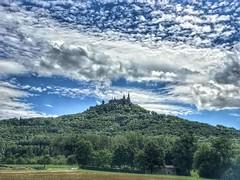 Burg Hohenzollern von Hechingen (Blende2,8) Tags: sky wood burghohenzollern wald bäume wolken himmel schloss schwäbischealb schwabenland iphone deutschland badenwürttemberg castle