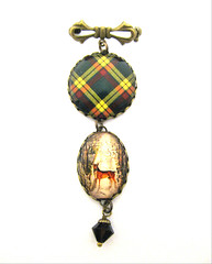 "Ancient Romance Series - Scottish and Irish Tartans Collection - MacMillan ""Old"" Clan Tartan 25mm Round Bezel Sweet Bow Brooch with Victorian Deer Stag Charm and Onyx Black Czech Glass Bell Charm"