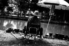 Dans le parc d'Ageo (www.danbouteiller.com) Tags: japon japan japanese japonais tokyo ageo saitama lake lac park parc asia asian asie asiatique fisher pèche fishman mono monochrome monochromatic black white noir blanc nb bw noiretblanc noirblanc blackandwhite blackwhite blacknwhite ricoh ricohgr ricohgr2 ricohgrii gr gr2 grii 上尾市 上尾 埼玉県 埼玉 東京 日本