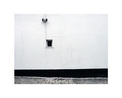 small window (chrisinplymouth) Tags: window plymouth devon england uk westhoe cw69x wall 2017 city urb desx plymgrp