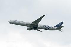 Air France F-GZNT @KIX (kuni4400) Tags: airfrance af afr fgznt b77w skyteam kix rjbb aircraft airplane a6500 sel70200g