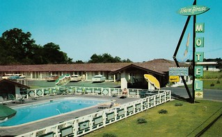 Town House Motel - Chico, Calif. - Diving Lady Sign