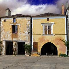 Monpazier, Dordogne, France (pom.angers) Tags: panasonicdmctz10 stage 5000 400 100 200 300 500 monpazier bastide bergerac dordogne nouvelleaquitaine france europeanunion lalinde 24 august 2011