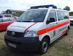 Volkswagen T5 - MTW (?) (michaelausdetmold) Tags: volkswagen vw t5 einsatz blaulicht fahrzeug drk katastrophenschutz kats schmalkalden thüringen