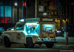 Chicago - The Transaction (www.karltonhuberphotography.com) Tags: 2017 bigcity chicago citystreets downtown icecream illinois karltonhuber men nightphotography peoplewatching streetphotography streetscene streetvendor truck urban windycity