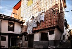 353- ROPA TENDIDA EN  LA JUDERÍA - HERVÁS -CÁCERES - (--MARCO POLO--) Tags: barrios arquitectura edificios casas curiosidades ventanas