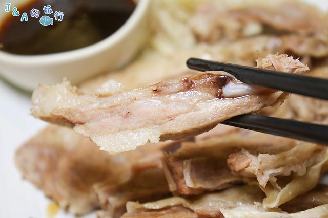 【中和美食/中和羊肉爐】山羊城全羊館羊肉爐 必點嫩香夠味羊三層,紅燒羊肉爐香氣濃郁不油膩!板橋周邊美食推薦。 @J&A的旅行
