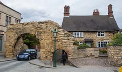 Newport Arch, Bailgate (The Crewe Chronicler) Tags: bailgate roman romanarch lincoln lincolnshire canon canon7dmarkii walls gate gateway newportarch