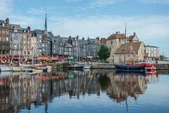 HONFLEUR le vieux Bassin (daumy) Tags: honfleur normandie france fr marin mer port reflet ville tourisme couleur bateau voilier