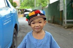 cute boy with hilltribe cap (the foreign photographer - ฝรั่งถ่) Tags: boy street taxi hilltribe cap blue shirt khlong thanon portraits bangkhen bangkok thailand nikon d3200