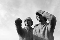 Fishermen sculpture (JOAO DE BARROS) Tags: iceland joão barros monochrome sculpture